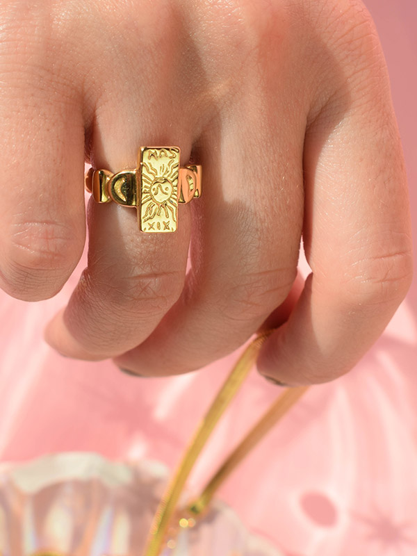 The Sun tarot card ring