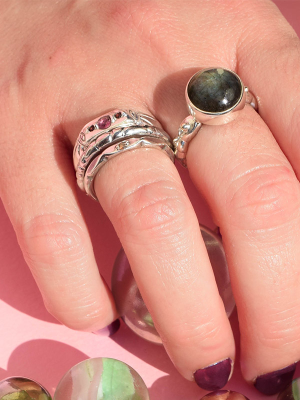 Big labradorite ring