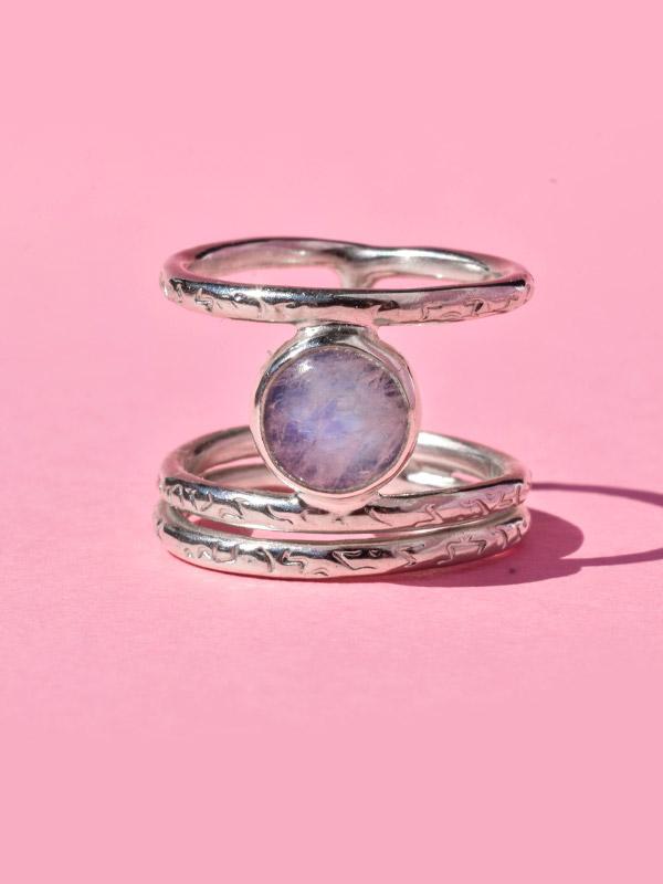 Δαχτυλίδι με φεγγαρόπετρα