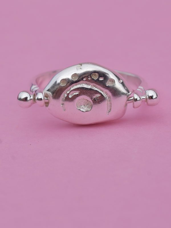 Δαχτυλίδι βότσαλο με σύμβολο
