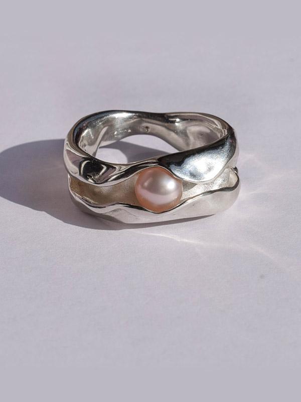 Δαχτυλίδι με ροζ μαργαριτάρι