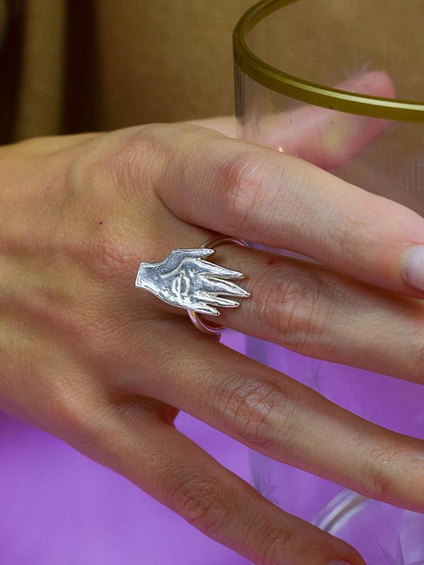Το σύμπαν σε ένα δαχτυλίδι