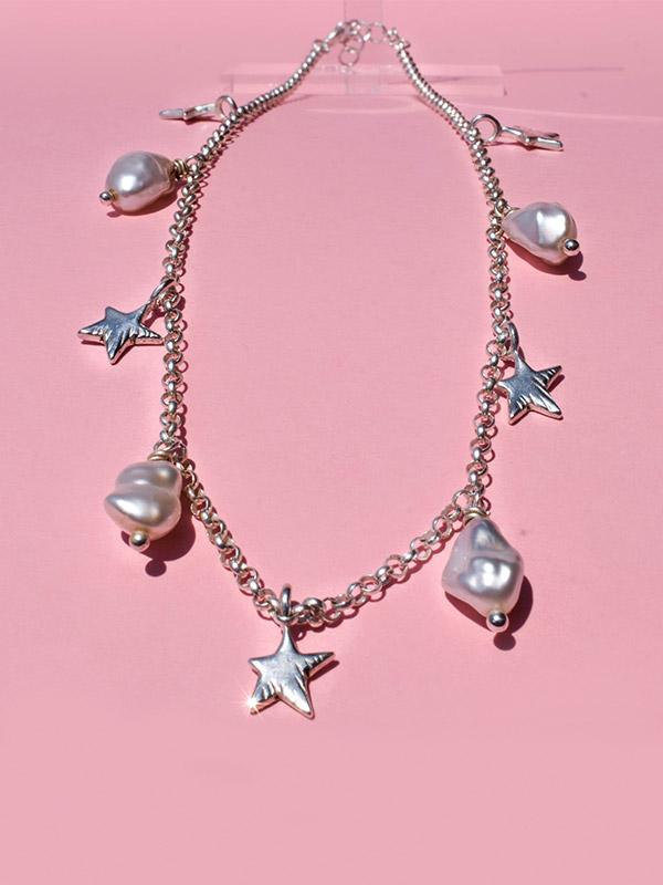 Irregular pearls necklace