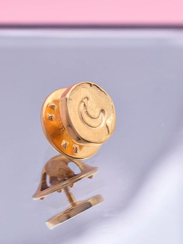 Crescent moon pin
