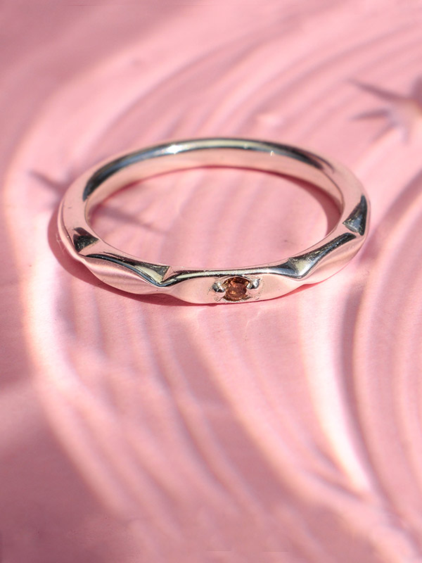 Thin ring with crystal