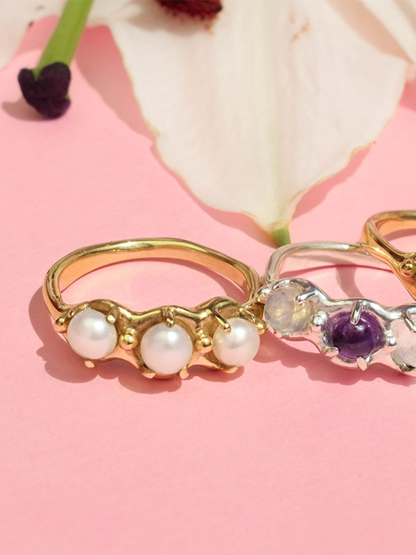 Simple ring with stones