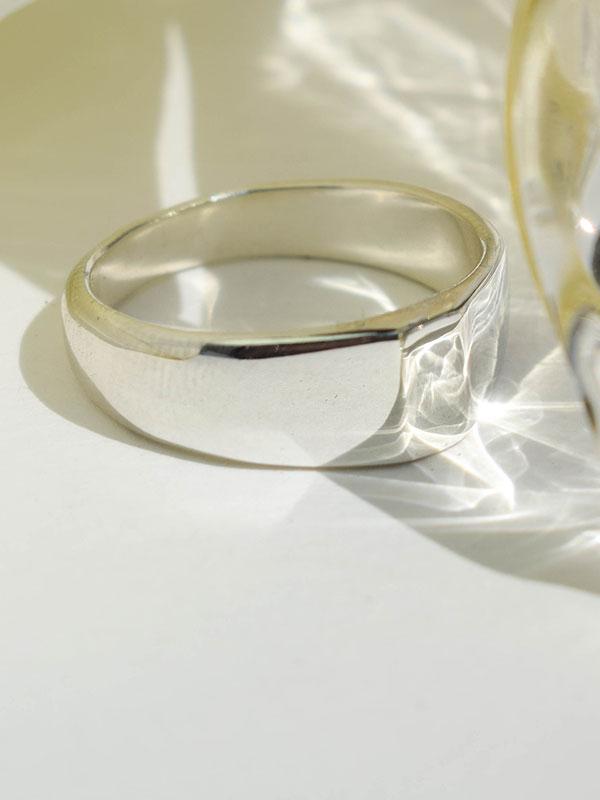 Λεπτοκομμένο σινιέ δαχτυλίδι