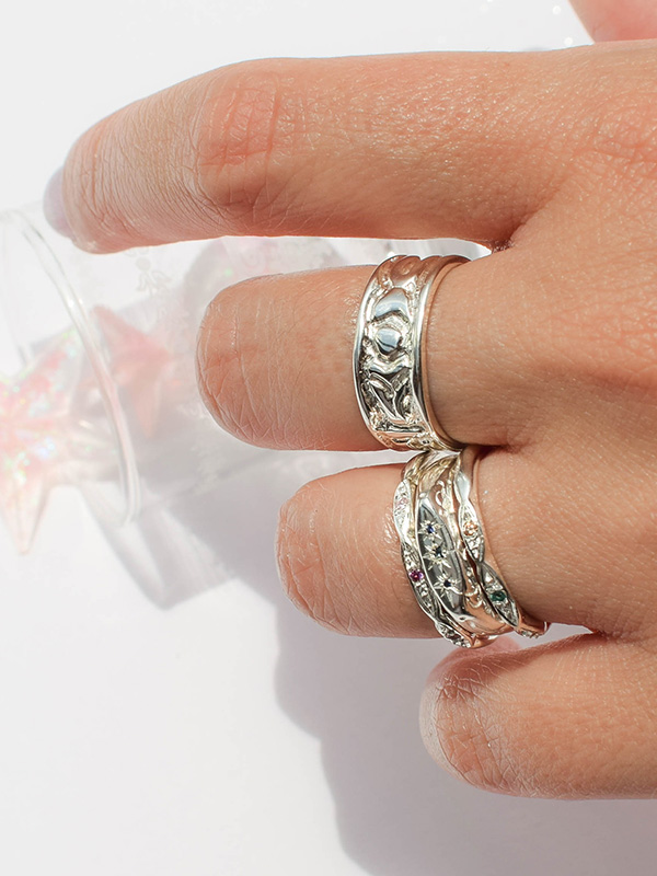 Stacking ring with tiny stone