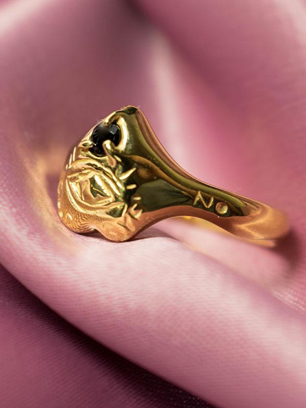 Black spinel signet ring